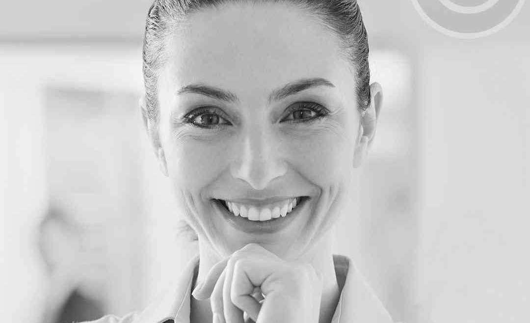 Anna Kastelorizios, Controller, Lazarus Charbonneau